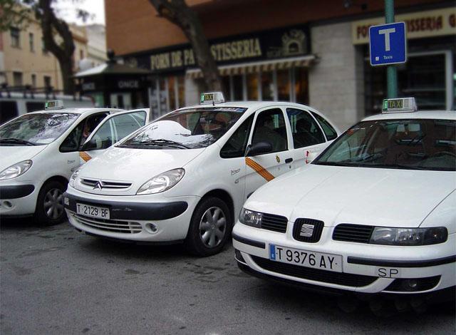 Los taxistas de Tarragona quieren modificar su Reglamento para poder competir con mayor igualdad