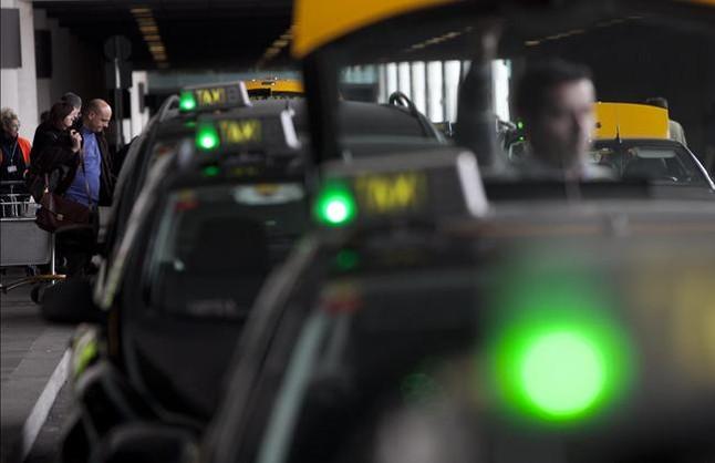 Calendari de liberalització del taxi de la AMB del 23 de març al 26 de maig