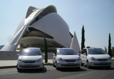 Valencia impulsa la espera obligada de una hora a las VTC en favor de los taxis