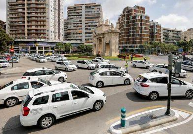 Mytaxi quiere que los usuarios se acerquen al taxi y cobrará un 50% menos para ir a los aeropuertos de las principales ciudades