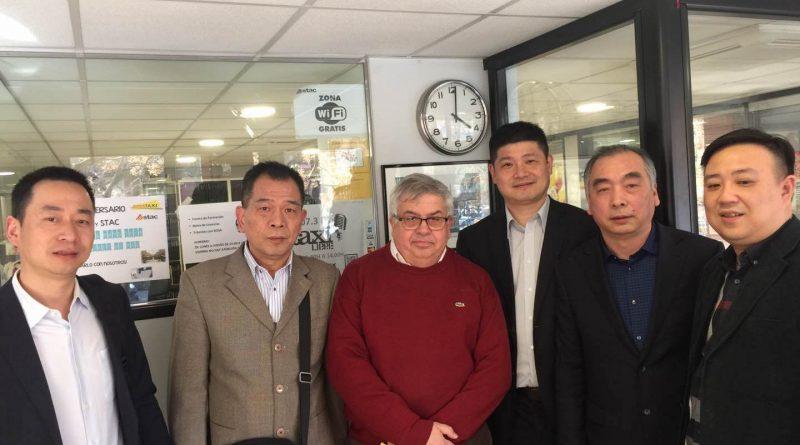Delegación China del taxi visita el STAC