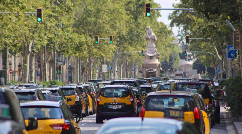 Detenidos en Barcelona cuatro chicos por ocho robos a taxistas