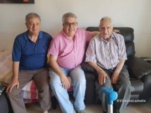 Lluís Padros a la derecha, junto con Luis Berbel i Lluís Vilamala, responsable de la part administrativa en el local del STAC en Vic