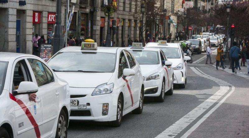 Almeida: el Ayuntamiento de Madrid no tiene competencias para limitar la flota de taxis