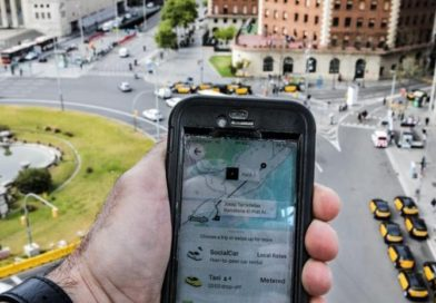 Los taxistas frenan el regreso de Uber en apenas un mes