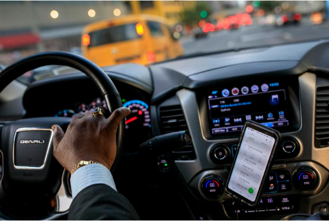 La regulación del empleo de los conductores de Uber en el Reino Unido cuesta 500 millones